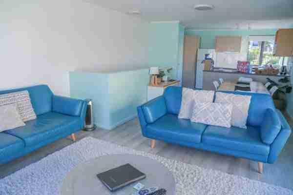 Capri On Pilot Bay serviced apartment lounge